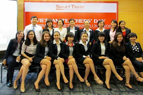 smart-train-to-chuc-ngay-nha-giao-viet-nam-20-11