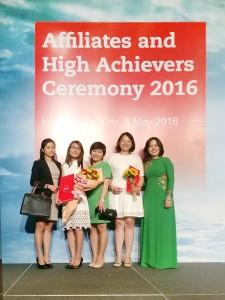 Bạn Mai Đoàn Thúy Diễm (thứ hai, từ trái sang) hoàn tất ACCA vàlà Prize Winner môn P5 tại VN kỳ thi tháng 06/2015