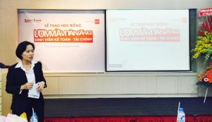 Bà Dorothy Hà Trần – Giám Đốc Nhân sự công ty kiểm toán PwC Việt Nam đánh giácao các bạn sinh viên được nhận học bổng đã hoàn tất kỳ thực tập tại PwC