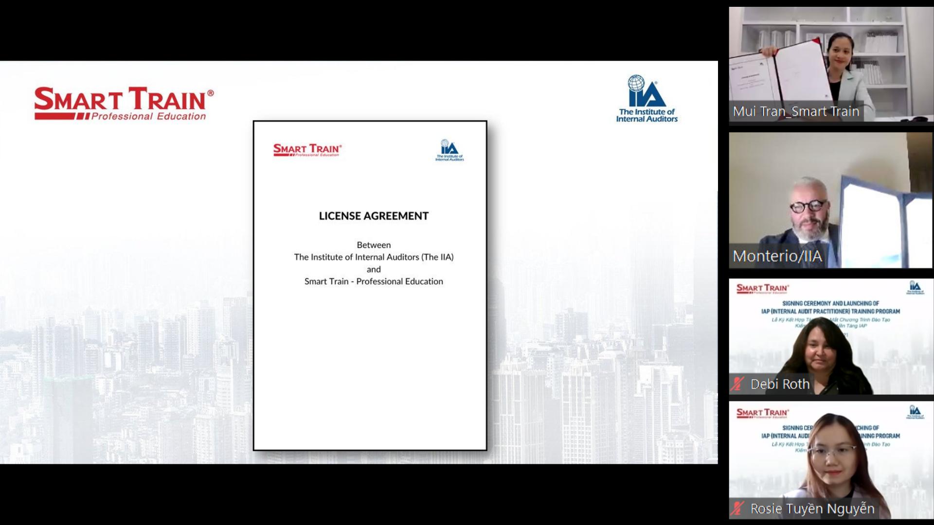Lễ ký kết chứng chỉ IAP